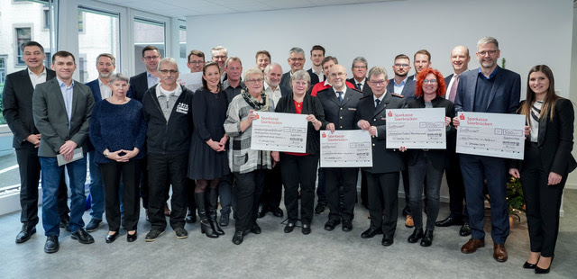 Spendenübergabe - Weihnachtsspende der SAARLAND Versicherungen 2019